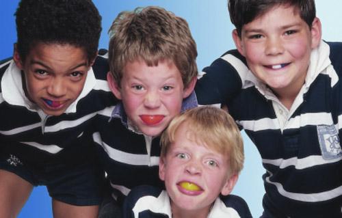 Studio dentistico Molfino. Per i bambini: paradenti colorati.
